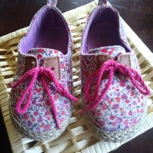 OshKosh sneakers floral pink toddlers 7m